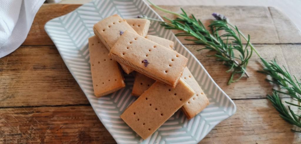 Vegan Lavender Shortbread. yum yum